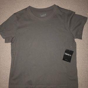 Plain grey t shirt